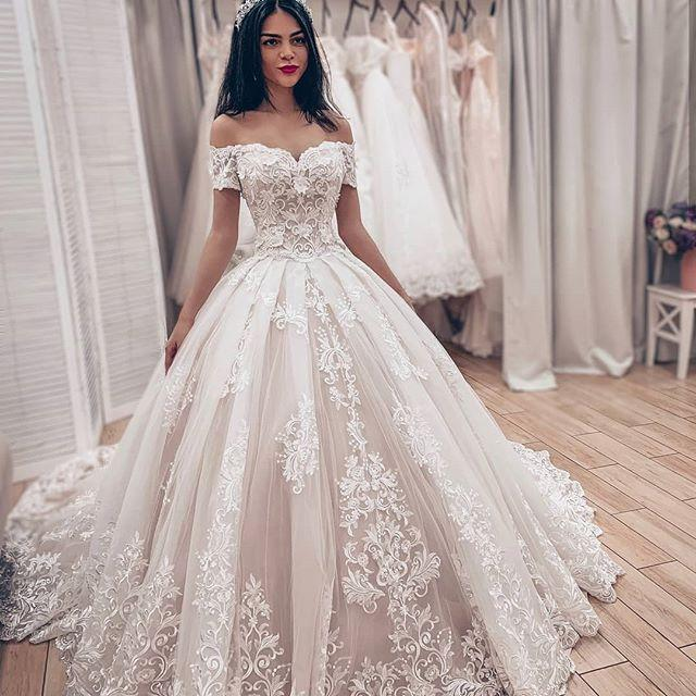 Fall 2020 Bohemian Wedding Dress Simple Elegant Off The Shoulder Neckline Short Sleeves Beautiful Lace and Tulle Lace-up Back Bridal Gowns
