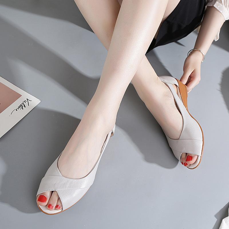 2019 neue Frauen Sandalen Lederfischmund-Schuhe der Frauen Steigung Ferse mit niedrigen Absätzen Sandalen Kuh Rippenunter Schuhe große Größe der Frauen