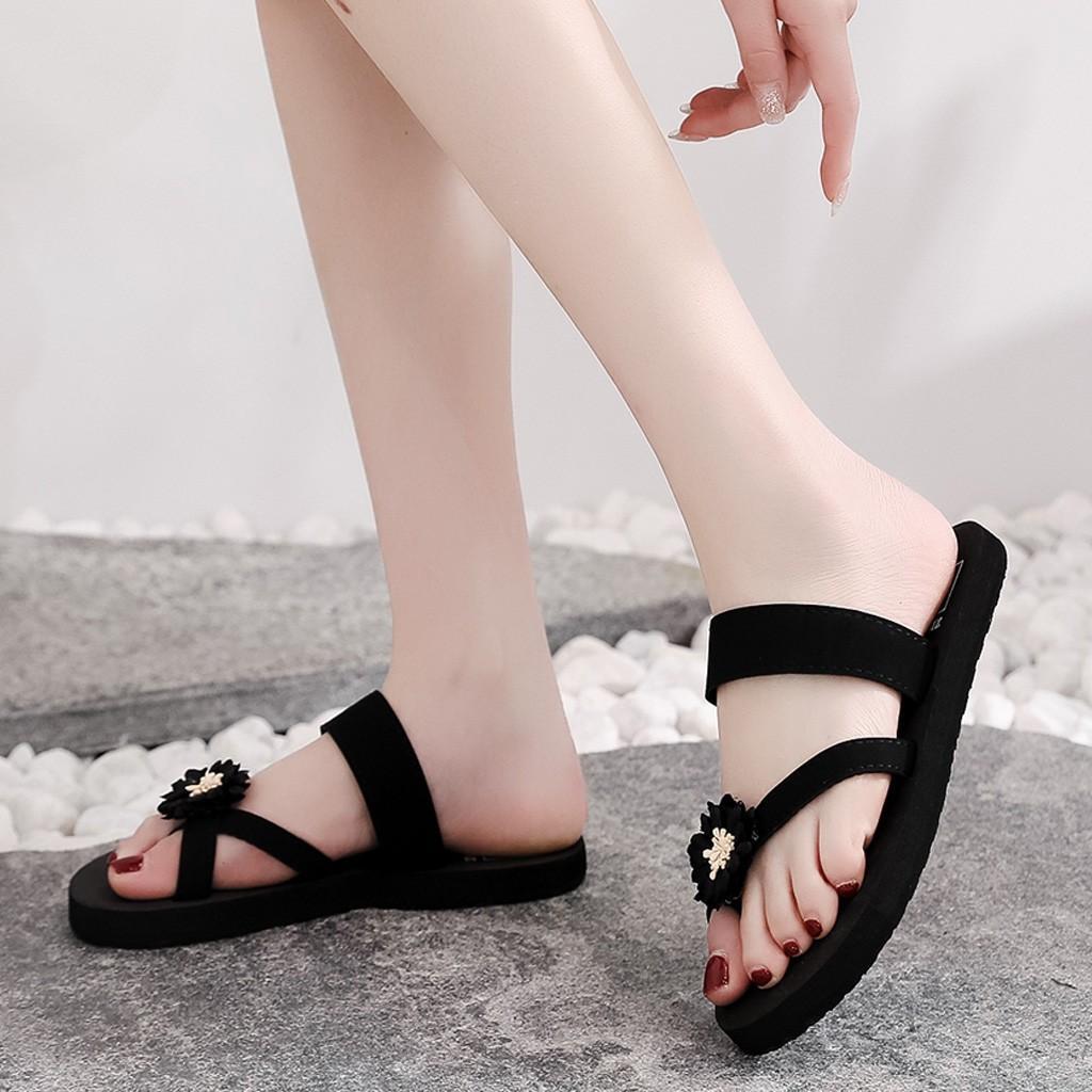 2020 Bohême style Tongs Chaussons pour les femmes Summer Beach Fleur Chaussures Casual extérieur plat talon hawaïenne de vacances Slipper R05