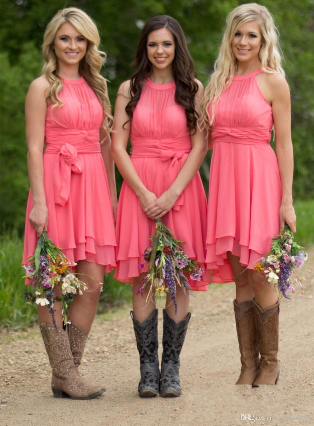 Halter Pescoço Chiffon Curto Dama de Honra Vestidos 2019 Backless Country Style Verão Convidado Do Casamento Vestido De Melancia Vestidos de Praia