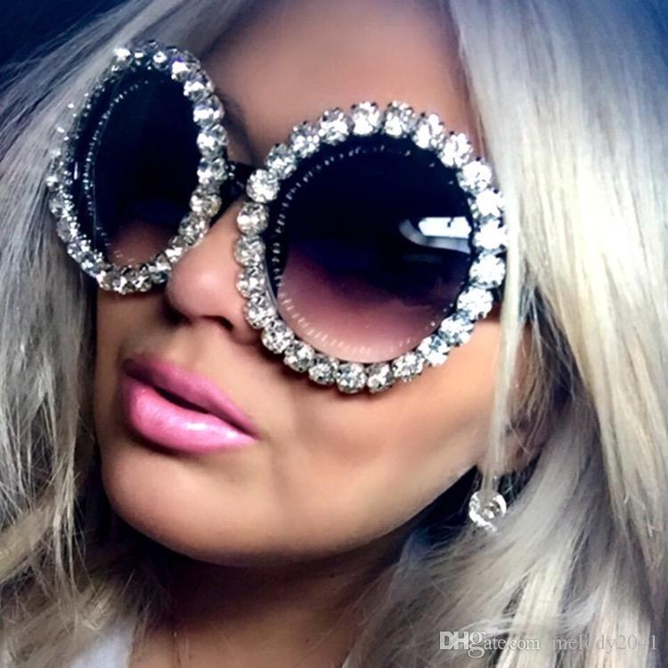 Vente chaude pleine strass ronde Lunettes de soleil Femmes Party Club Lunettes de soleil Lunettes de diamant de Bling 7 couleurs UV400 gros