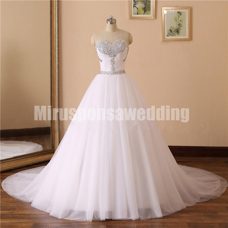 Sparkly Querida Branco Tulle A linha de vestidos de casamento on-line Rhinestones Beading Tribunal Trem Casamento Simples Vestidos voiles de mariage