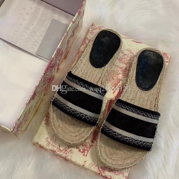 Chinelos Womens nova Paris Scuffs Verão Sandals Praia Deslize Chinelos meninas Flip Flops Loafers Chinelos bordado bonito