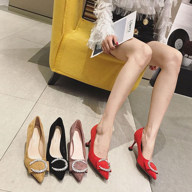 Tamaño pequeño 313233 gatos talón nuevo talón fino Europea y agua de perforación estadounidense CButton zapatos puntiagudos zapatos nuevos de alta moda boca baja femal