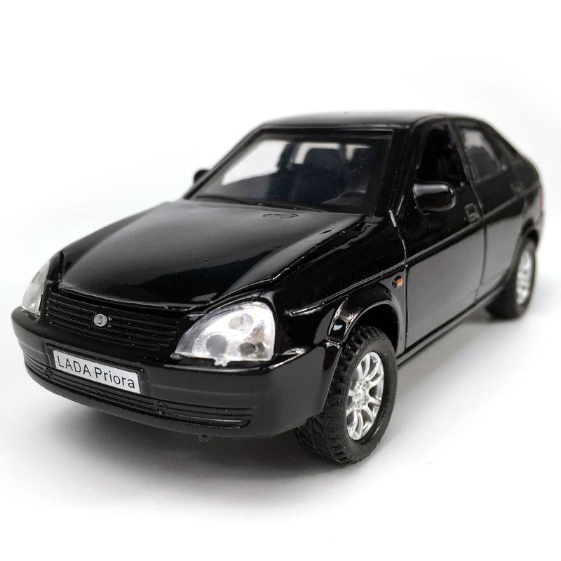 Lada Priora 1:32 Echelle en alliage Voitures Pull Back Modèle du véhicule avec Diecast son léger Collection cadeaux Garçons Toy Enfants Y200317