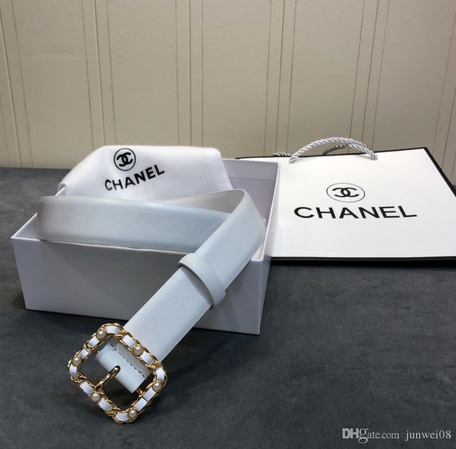 Klasik İnci Deri logosu tokasını dokunmuş. 3.0mm butik. Çift taraflı baldır deri kemer. Lüks ve 100130020 zarif