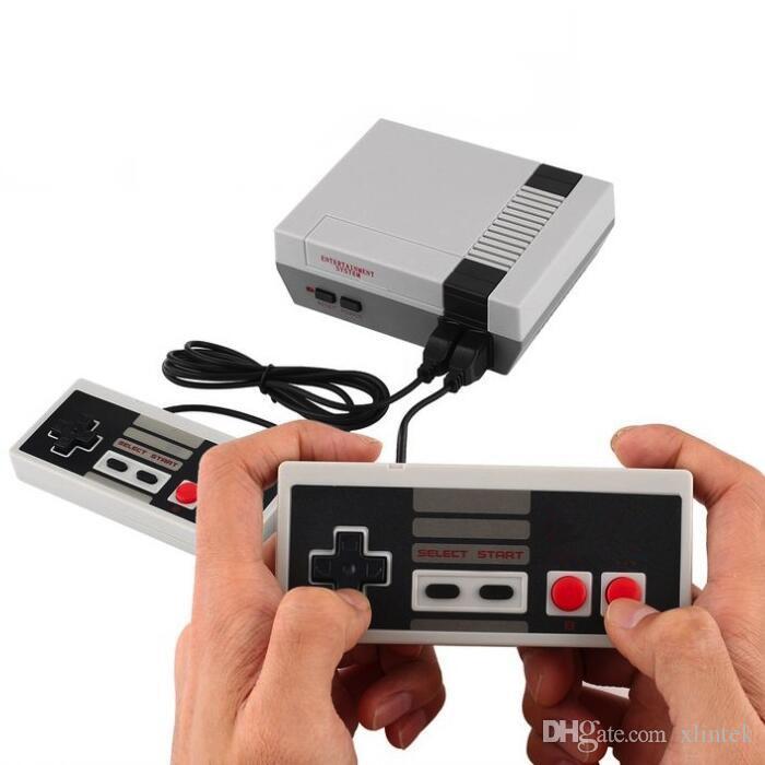 clásico juego de consola de 620 juegos portátiles de vídeo de 8 bits jugador de mano para el anfitrión de salida AV nostálgica NES con la caja al por menor