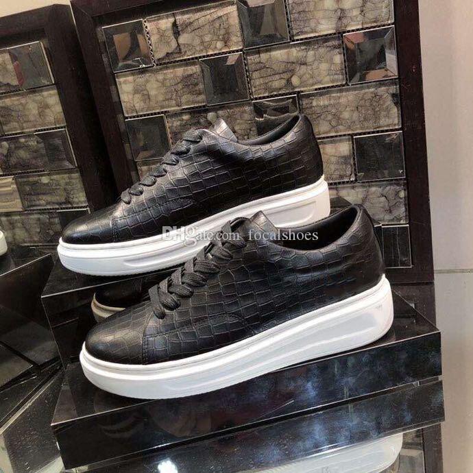 Designer Herren Schuhe Chaussures Leder-Turnschuh-Frauen-beiläufigen Schuh-Triple-Luxus-Platte-formt Lace-Up Low Top Schwarz Chaussette weiße Sohle