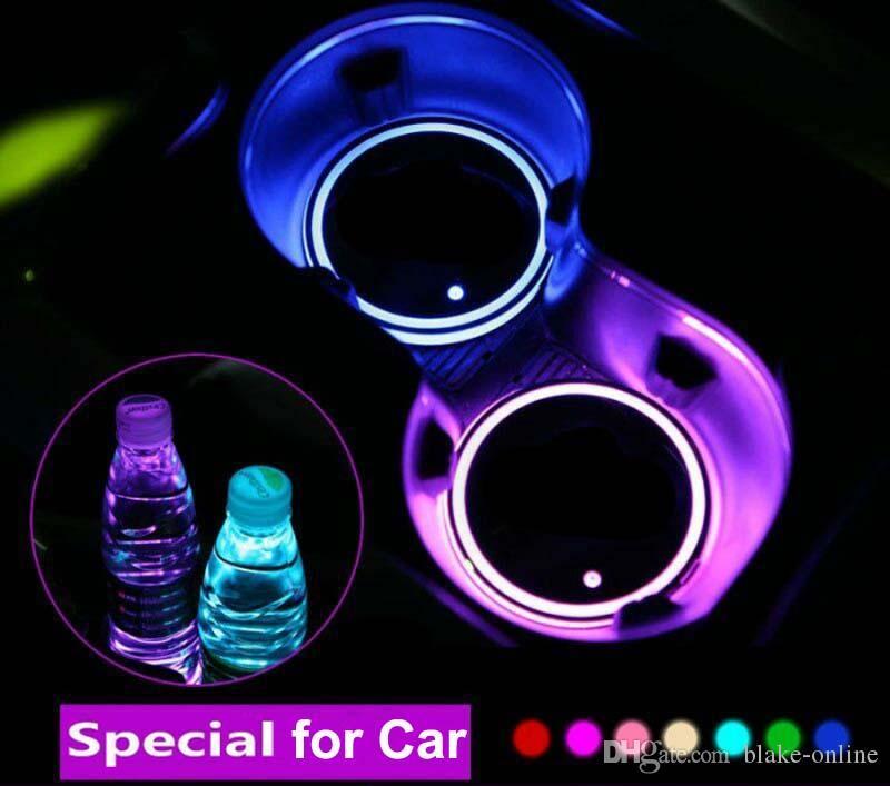 2 pcs LED Cup Cup Mat Atmosfera Luzes Para Mercedes Benz Volkswagen VW RGB USB Carregando Cups Almofada Interior Atmosfera-Lâmpada