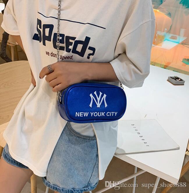 Nueva versión coreana de la bolsa oblicua con personalidad, banda ancha, un hombro y bolsa cuadrada pequeña