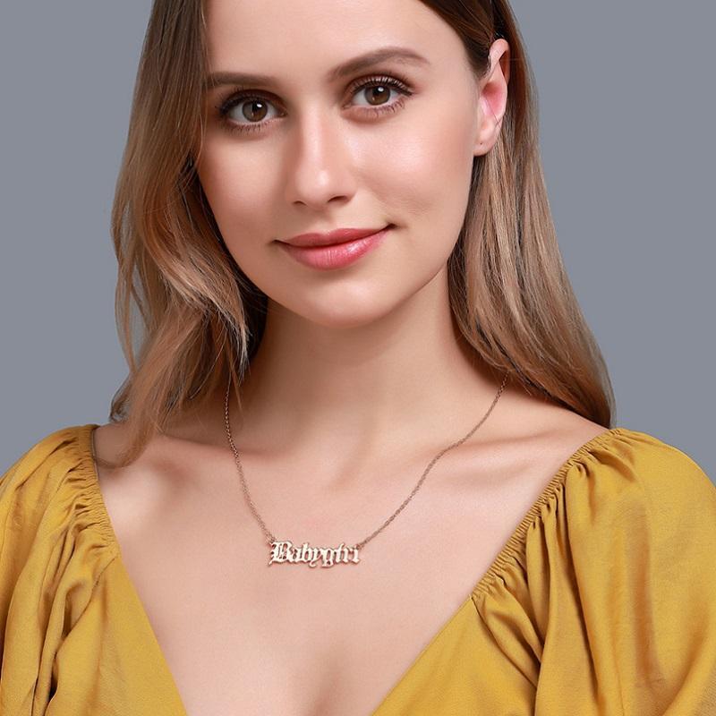 Lettre Pendentif Collier Babygirl Princesse Miel d'ange pour les filles Femmes Mode couleur argent couleur or chaîne en métal plaqué cadeau