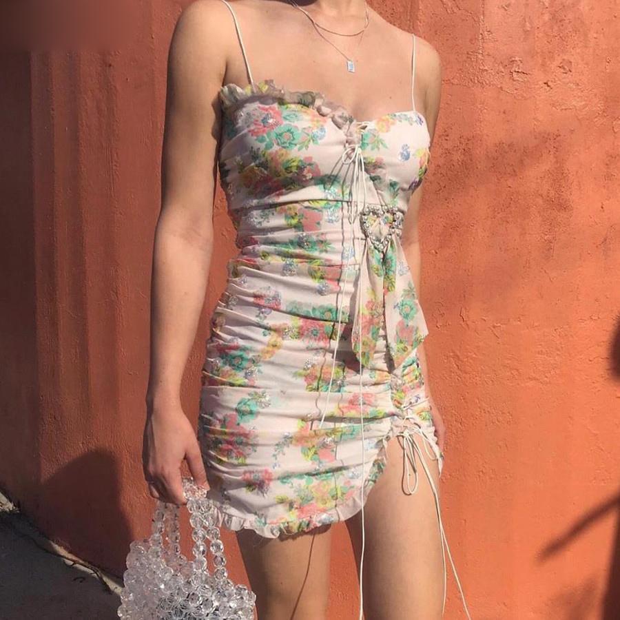 Yaz Elbise Kadınlar dizayn edilmiş elbiseler 2019Summer Boho şık BODYCON Elbise Kadınlar Partisi Gece Çiçek Mini Bayanlar Lace Up Günlük Elbiseler
