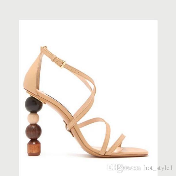 Neue Stil Persönlichkeit Frau Knöchelriemen Aushöhlen High Heel Sandalen Femal Geformte Bausteine Ferse Sandalen Persönlichkeit Asymmetrie Schuhe