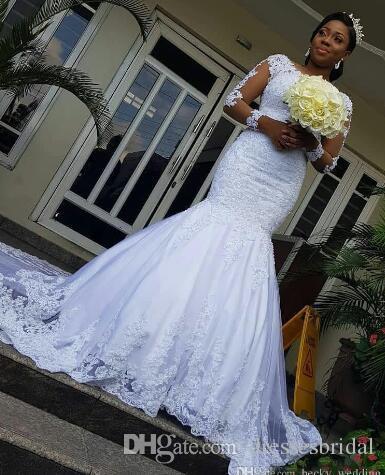 Vintage Plus Size Applique Ilusão Botões Voltar Sweep Train Bridal Gown