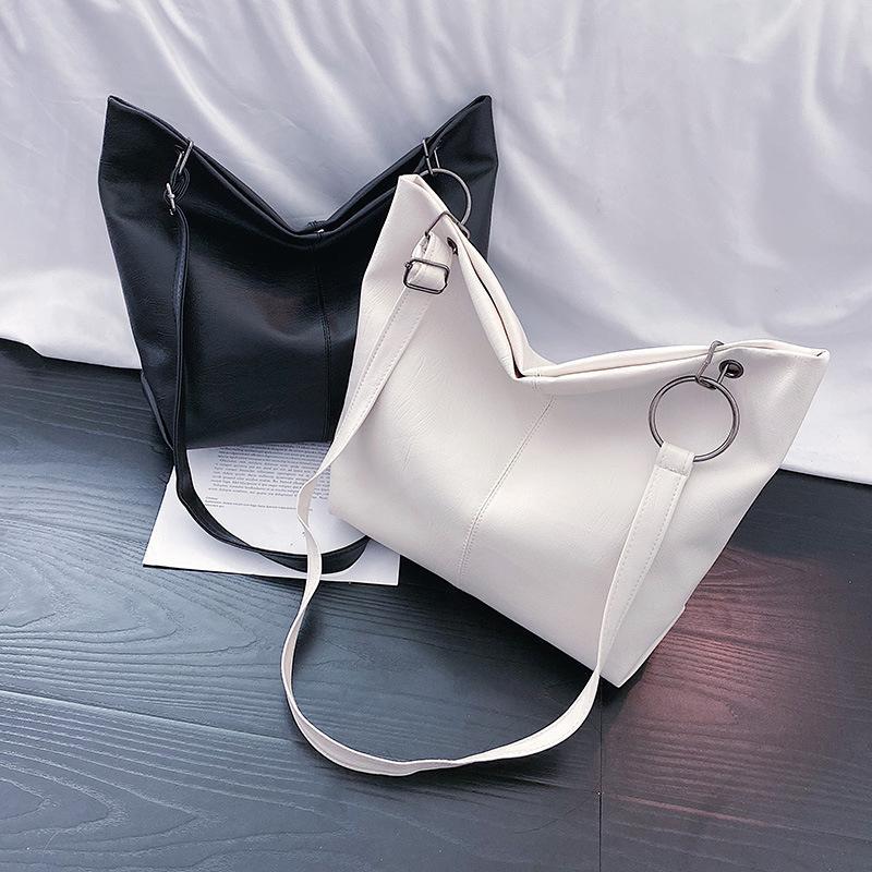 La bolsa 2020 nuevo estilo de la celebridad del hombro de gran volumen bolso versátil suave superficie oblicua DEL mano de las mujeres de hombro bolsa de asas de moda