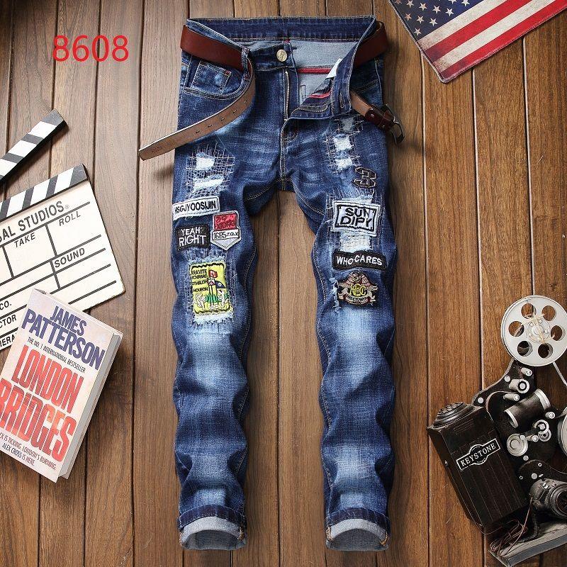 2019 Bordado Atacado Itália Designer de Moda dos homens Jeans Rasgado Marca de Jeans Para Homens Calças de Negócios Casuais Em Linha Reta