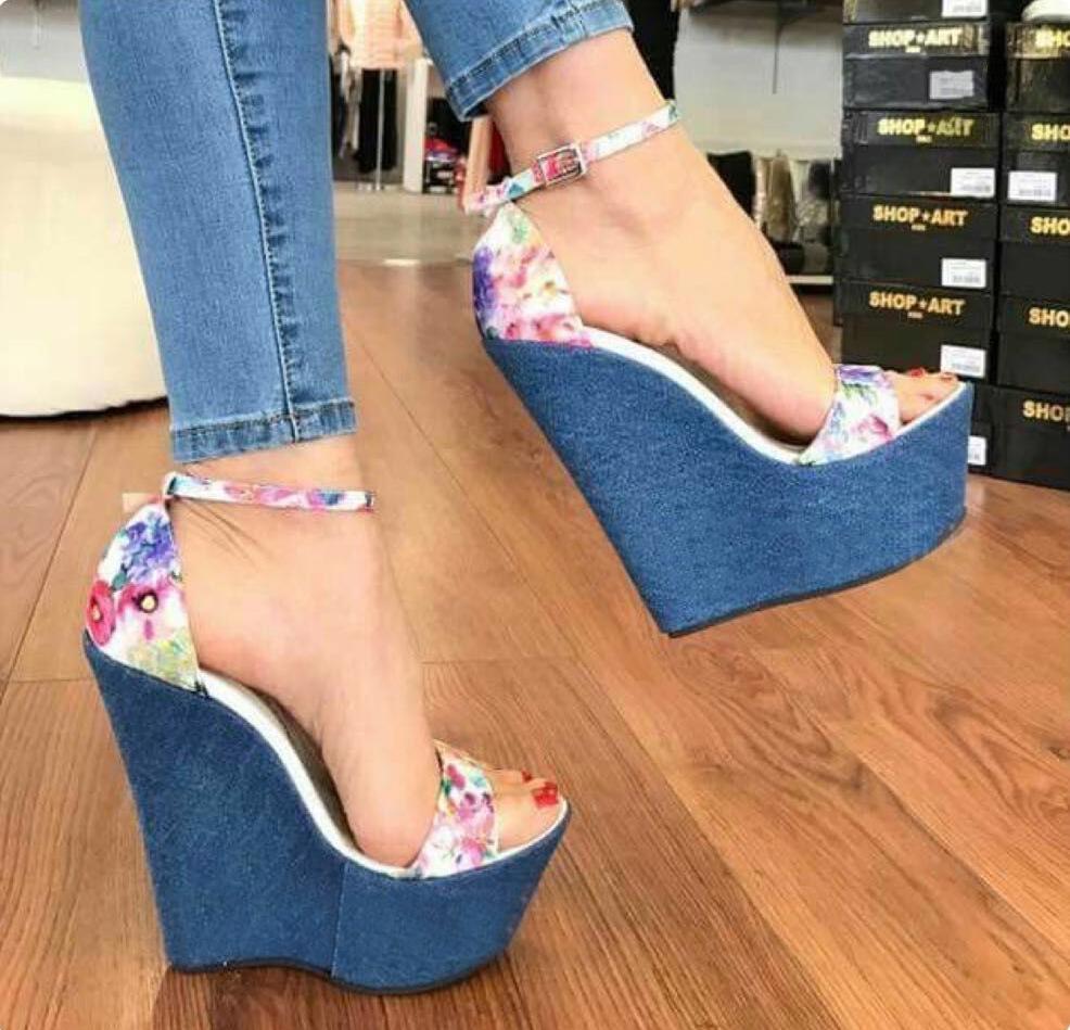 16CM 2019 الأزهار زرقاء الصنادل والأحذية المطبوعة الكعب العالي منصة إسفين السيدات الصيف حجم 35-40
