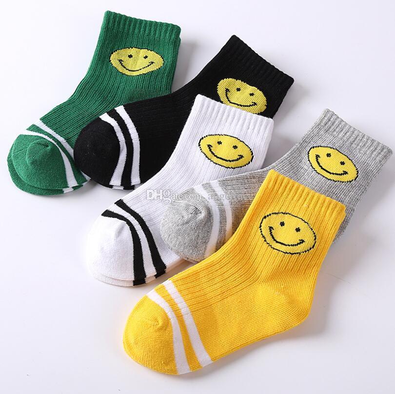 La nueva llegada del otoño Niño Niña Invierno de punto de calcetines de la historieta de los niños suave algodón calcetines del bebé del color del caramelo de la marca Calcetines 1-11Years envío
