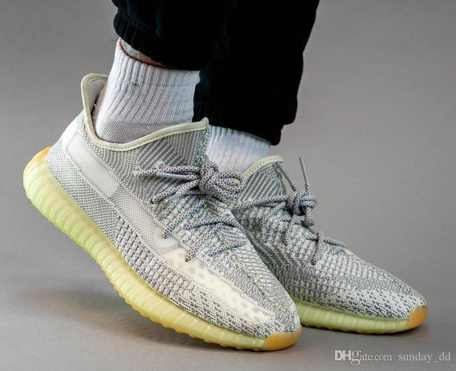 Yayın Kanye West V2 Yeshaya Desinger Man Beyaz Gri Yansıtıcı Primeknit Yeezreel Yecheil Erkekler Kadınlar Spor Sneakers FX4348 Koşu Ayakkabıları