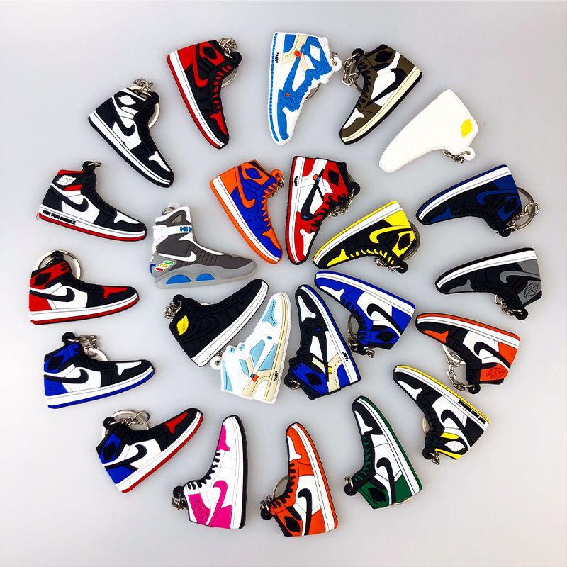 Mini silicone Sneaker Keychain Femme Homme Enfant Porte-clés cadeau Porte-clés Sac Charm Accessoires Chaussures de basket-ball porte-clef