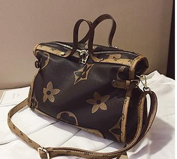 Neue Designer-Tasche Weibliche beiläufige Art und Weise Luxus-Handtaschen-große Kapazitäts-Wilde Print Design Schultertasche