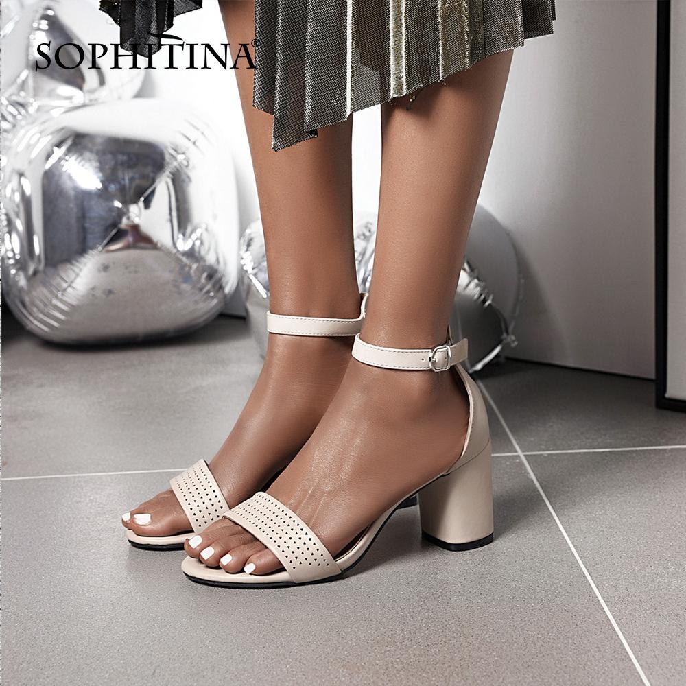 SOPHITINA Rom New Sandalen Frauen Round Toe Bequeme quadratische Fersen beiläufige Buckle Solide Schuhe atmungsaktiv Concise Sandalen PO588 T200529