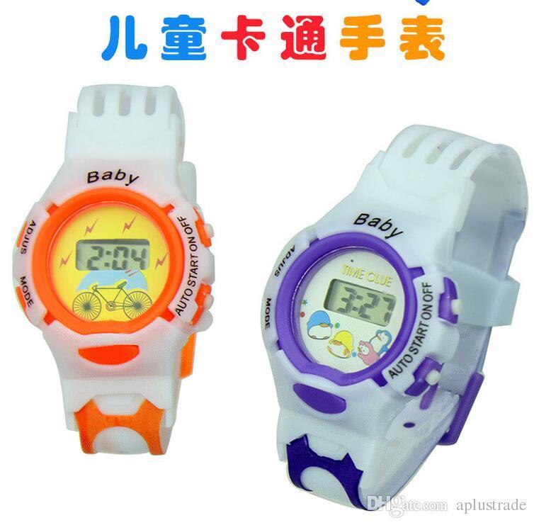 Moda encantadora niños lindos niños de goma suave deporte reloj digital al por mayor Correas blancas niños niñas regalo de cumpleaños relojes de pulsera