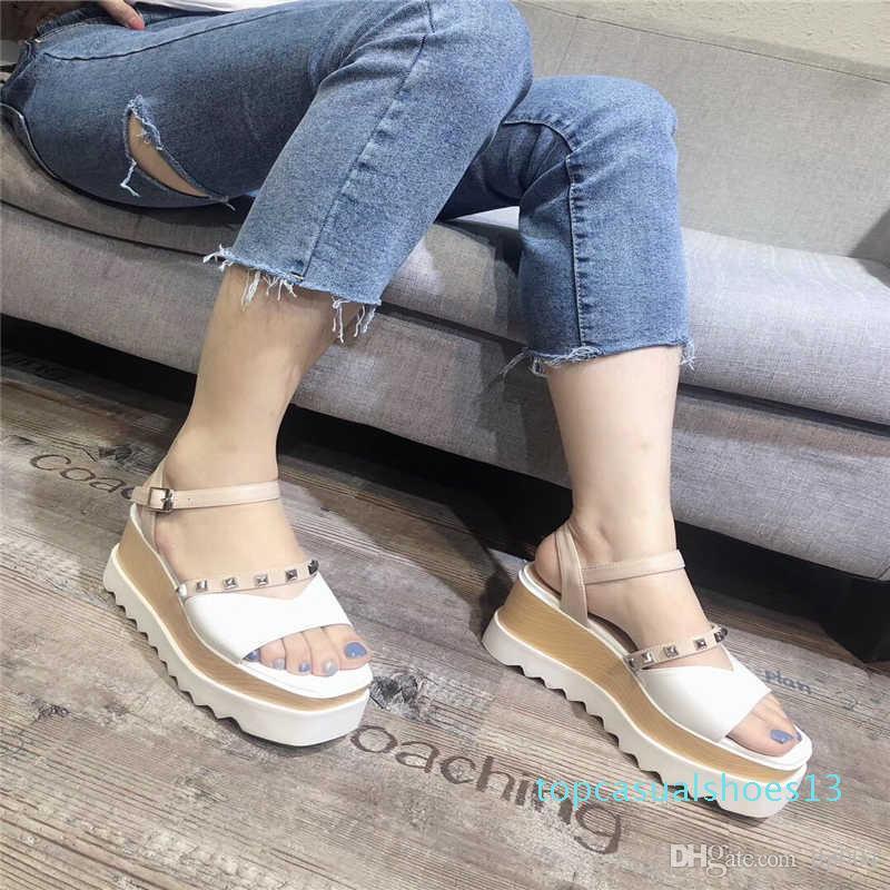 De nouvelles chaussures de marque de luxe de la mode des femmes d'été avec les mêmes chaussures de flanelle étoiles augmenté plus mince T13 confortable
