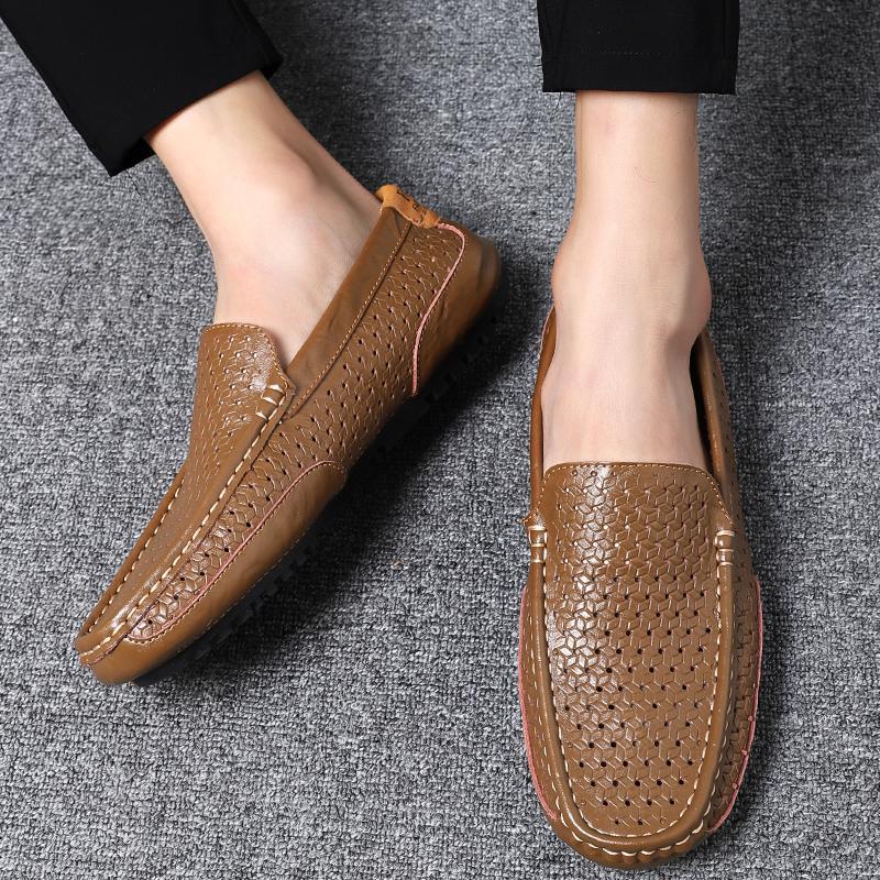 أحذية رجالي عارضة 2019 جلد طبيعي متعطل القيادة أحذية للرجال الأزياء لينة تنفس الأخفاف الانزلاق على الشقق حجم كبير