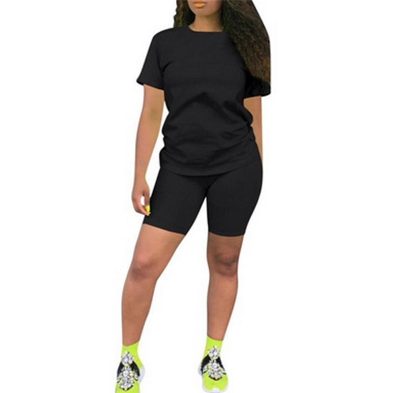 2020 Женская мода лето Йога костюм 2PCS женщина конфеты цвета с коротким рукавом Шорты Костюмы Фитнес Бег Gym Спортивные наборы