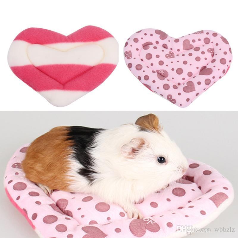 5 teile / satz Großhandel Weiche Herz Muster Hamster Mat Cushion Winter Warme Papagei Haus Matte für Hamster Eichhörnchen Kleintiere Käfig Haus Spielzeug