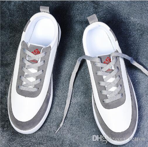 Hotsale della scarpa da tennis dei pattini casuali per gli uomini delle donne Triple Nero Cheap Sport Hot Runner Trainer Outdoor tela di canapa casuali della scarpa da tennis Shoes 40-44