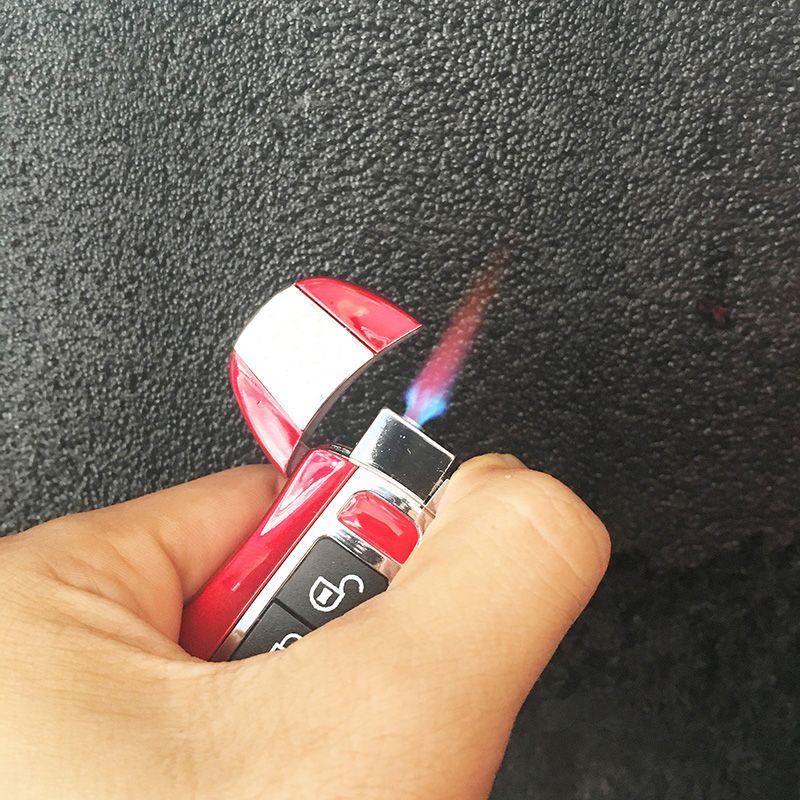Criativo 2 em 1 jato tocha Isqueiro Isqueiro à prova de vento butano gás recarregável inflável Chaveiro do carro com lanterna LED