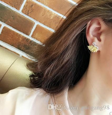 wholesale low price high quality chaming Crystal diamond swan lady's earings TX 32e