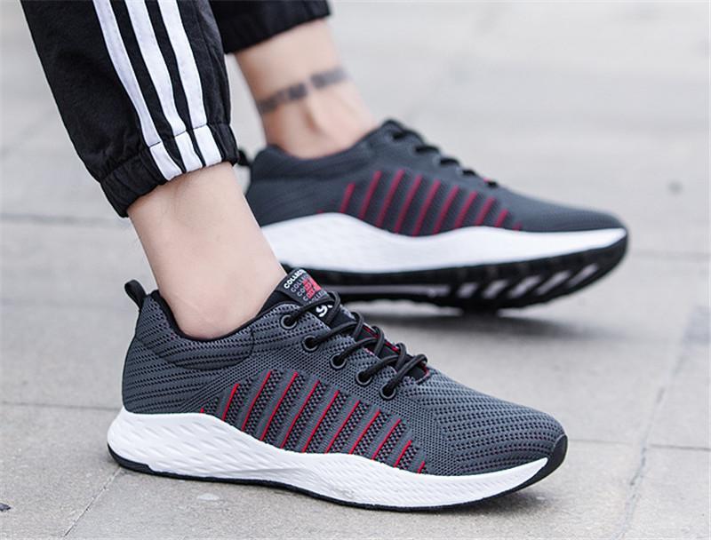 새로운 도매 미끄럼 방지 CHAUSSURES 패션 디자이너 신발 트레이너 화이트 블랙 드레스 드 럭스 스니커즈 남성 여성 신발을 실행