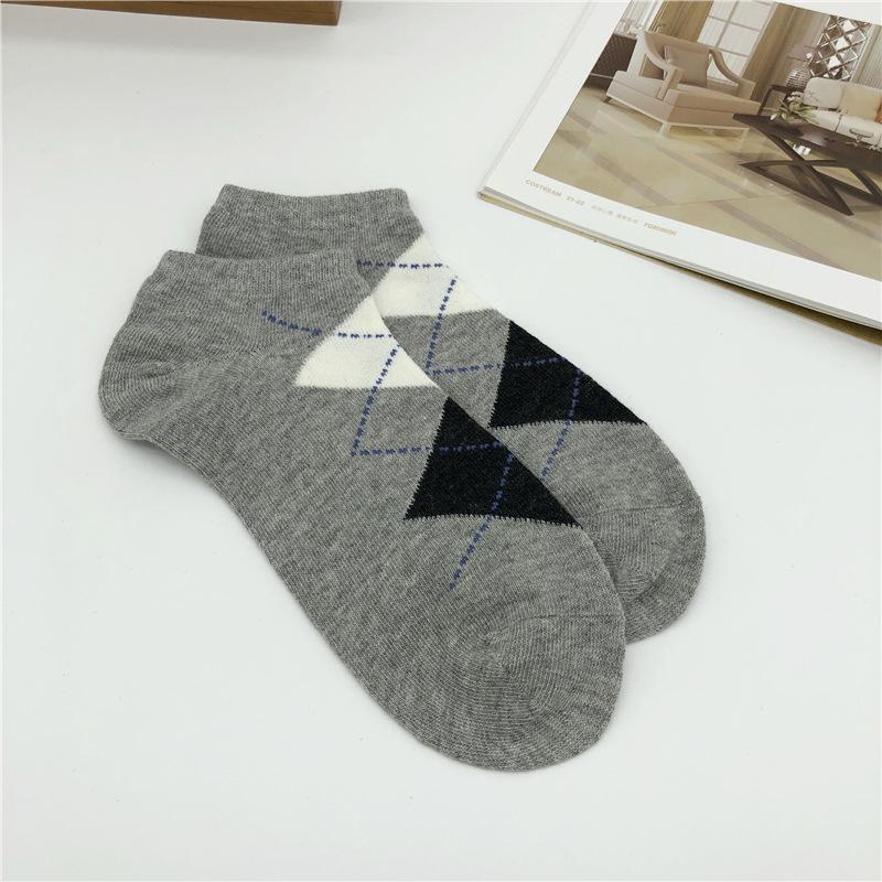 Мода спорта Mens Носок Mens высокого качества Черный Короткие носки хлопка Смешать комфортно тинейджеров носки студент нижнее белье Один размер