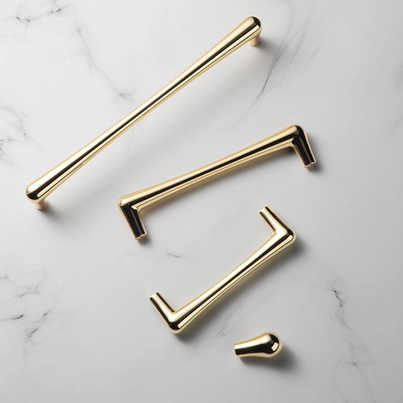 Tiradores y tiradores para muebles de cajón de metal Baño pulido dorado Armario de cocina Armario Aparador Manejar Diseño moderno Envío gratis
