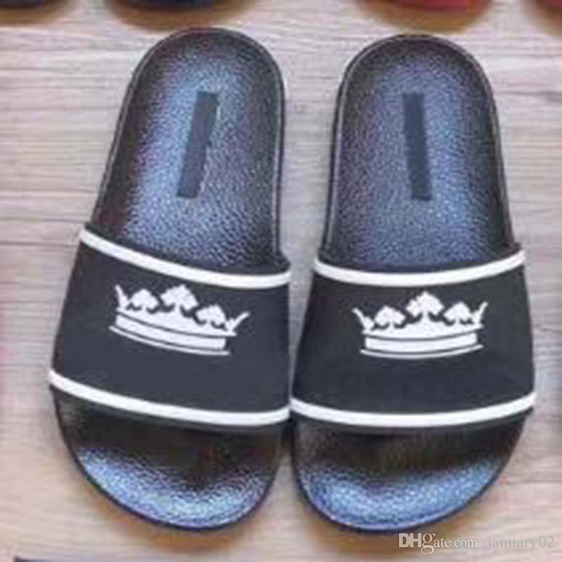 lettere Uomo Donna Sandali Scarpe Corona Printed diapositive Summer Fashion ampio appartamento Slippery Sandals Flip Flop Slipper 35-46 wo5