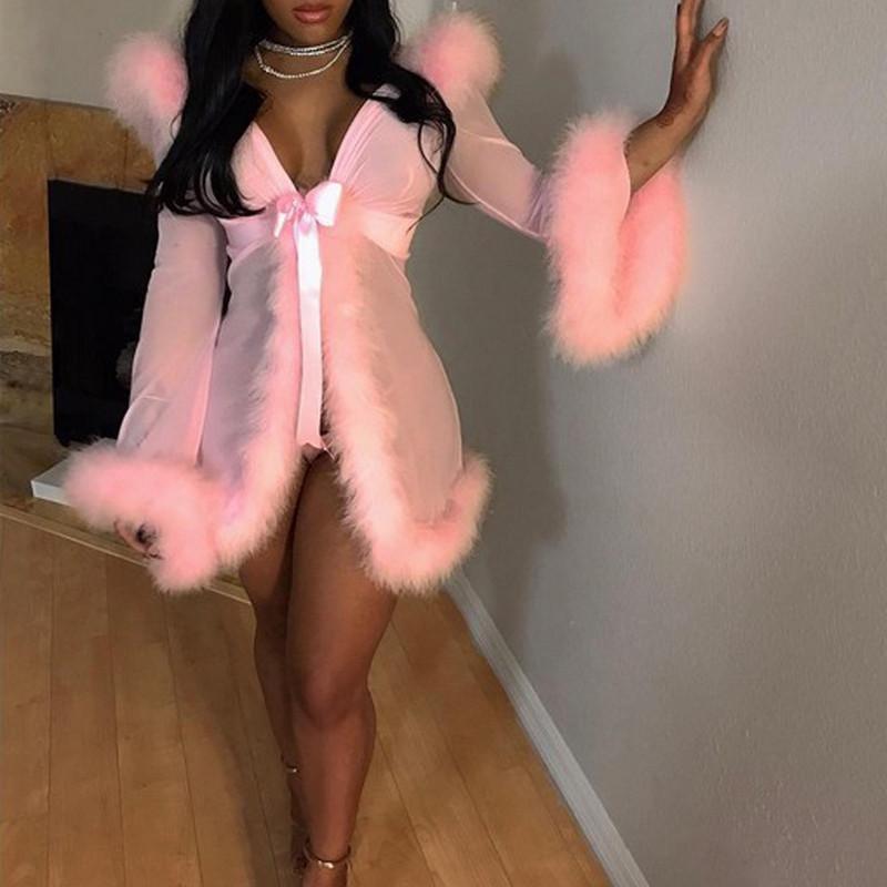 3pcs Pelz Erotical gesetzte Frauen-Mesh-Sheer durchschauen Sleepwearrobe Sexy Wäsche-Kostüm-Nachtkleid Erotische Mit Briefs Gürtel