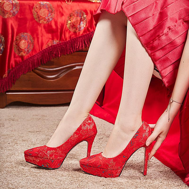 Ebullient2019 Red Shoes Wedding Show Wo Super High donna di stile cinese Marry Belle con la sposa Antichi Ricami Sharp seta e raso scarpe