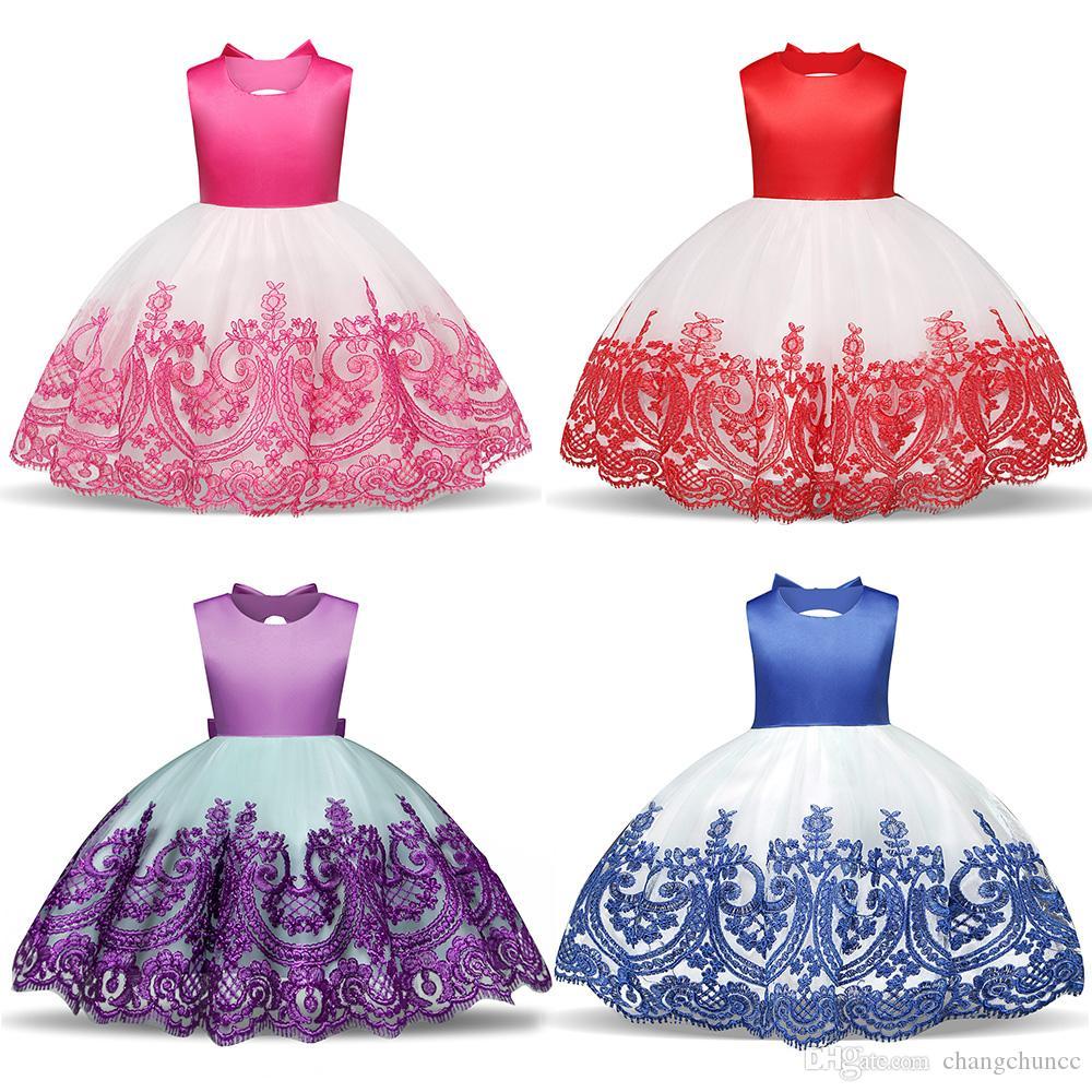 Мода Новые Девушки Вышитое Платье Назад Цветочница Полые Лук Платье Европейских И Американских Детей Платье