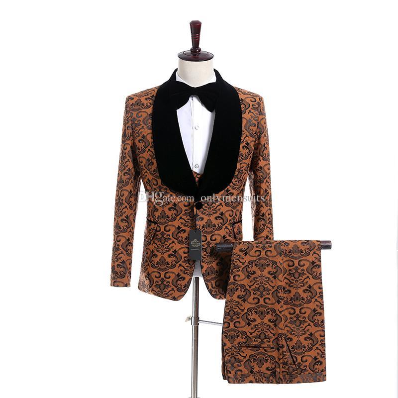 Nuovo arrivo Groomsmen scialle risvolto smoking dello sposo oro modello Uomini Abiti da sposa / Prom / Cena Best Man Blazer (Jacket + Vest + Pants + Tie) O610