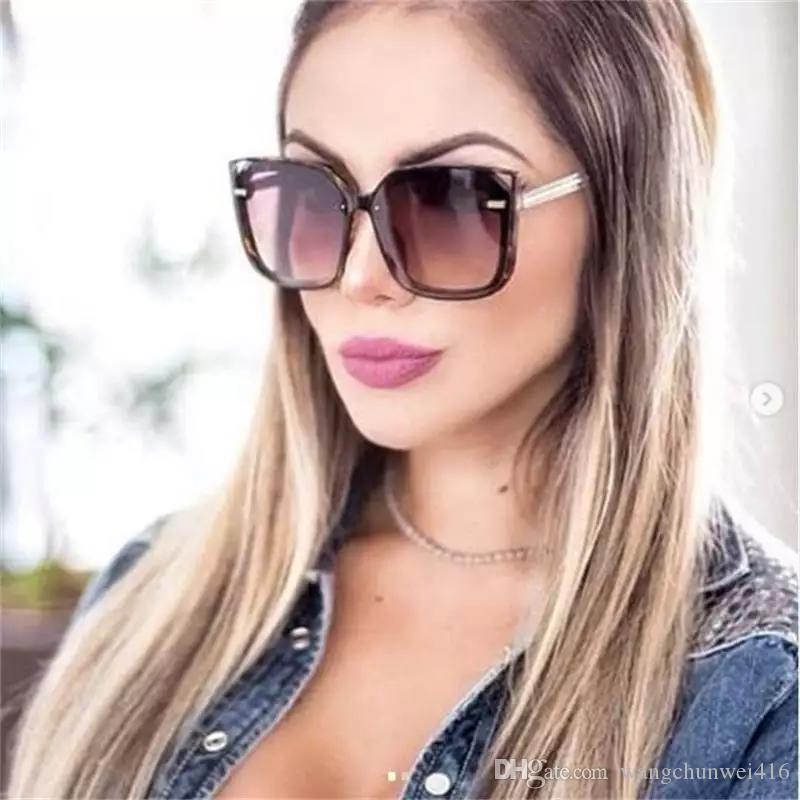 gafas de sol de lujo Marco 2019 Nueva vidrios de sol grandes Plaza diseñador de las mujeres Sombras plana de la lente UV400 Gafas de sol de conducción