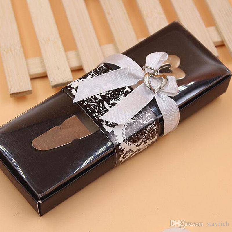 انتشر على شكل قلب الحب شكل قلب التعامل مع الحسنات الموزعات الموزعة زبدة السكاكين سكين هدية الزفاف