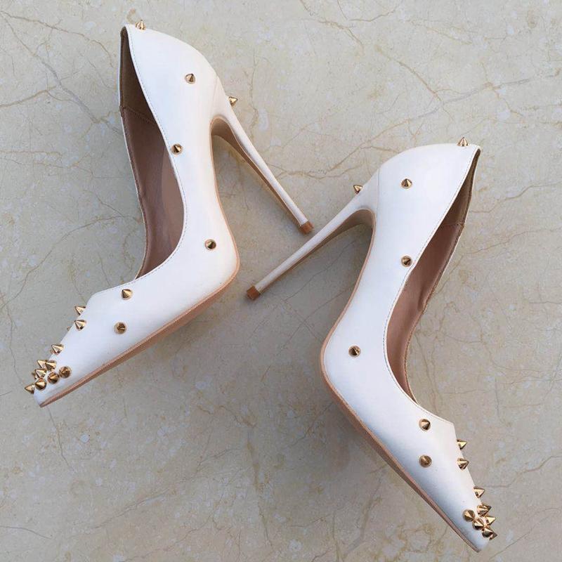 100% новый белый заклепки на высоком каблуке леди насосы мелкий острым носом женщина обувь партия обувь скольжения на искусственная кожа свадьба
