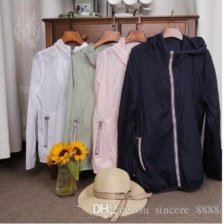 2020 ربيع جديد / الصيف الأشعة فوق البنفسجية في الهواء الطلق الملابس الواقية الجلد مقنعين تنفس الملابس النسائية السفر خارجية سترة رقيقة