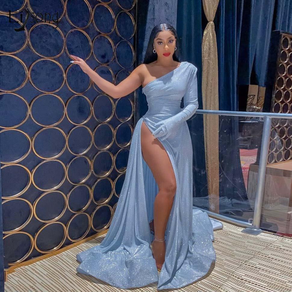 2020 새로운 섹시 베이비 블루 스팽글 하이 사이드 분할 반사 댄스 파티 드레스 프릴 A 라인 롱 댄스 파티 드레스 어깨 하나 패션 정장 드레스