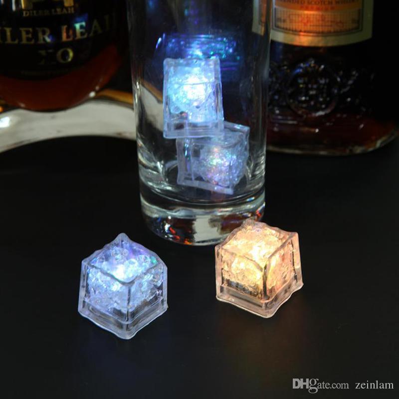 النبيذ بار نادي مكعبات الثلج LED متوهجة تضيء مكعبات الثلج بطيئة اللمعان اللون تغيير كأس الضوء دون تبديل حفل زفاف