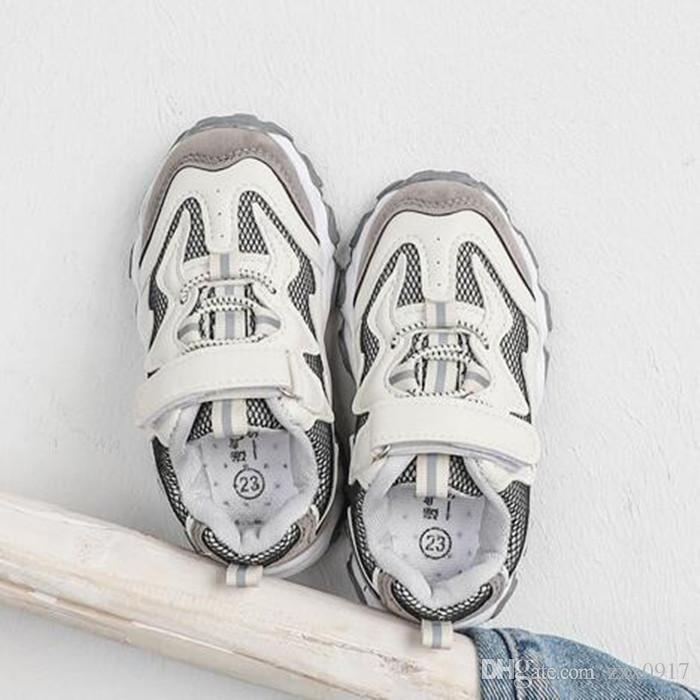 New Spring Baby-Jungen-Schuhe 2 Farben Breathable bequeme Säuglingsfreizeitschuhe Anti-Rutsch-Kinder Sneaker