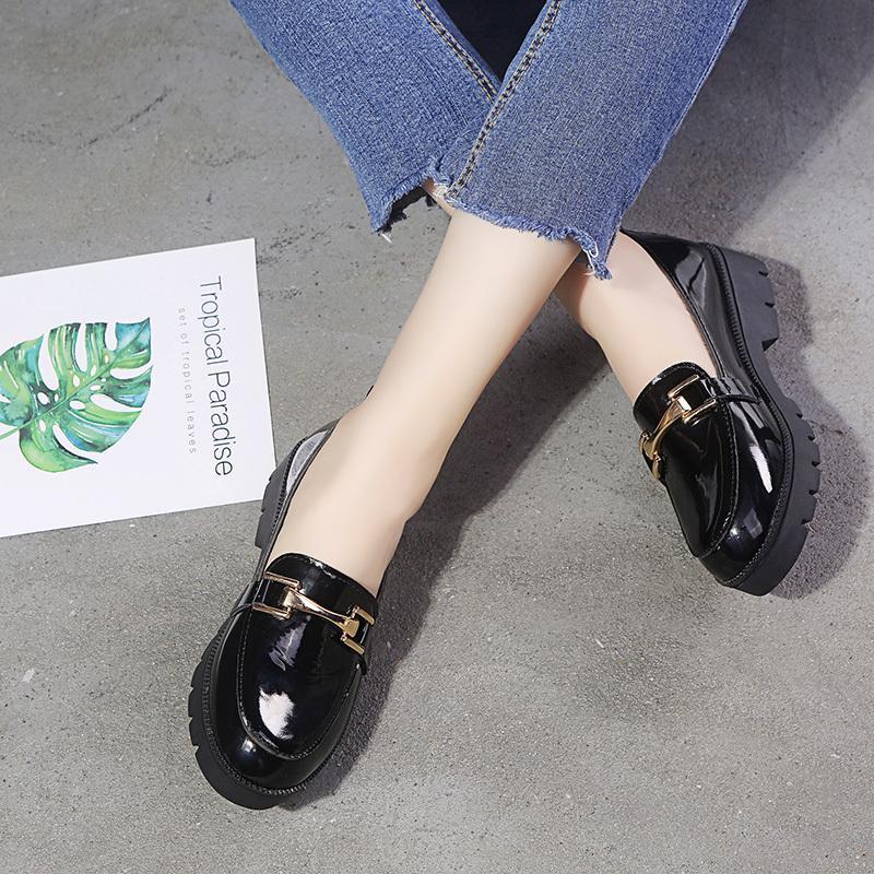 أحذية للنساء شقق مشبك معدني زلة على الأحذية السميكة وحيد منصة أكسفورد المرأة زائد حجم السيدات الصلبة أسود براءة اختراع جلد